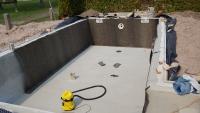 stavba-bazenu-lepeni-geotextilie-builting-swimming-pool
